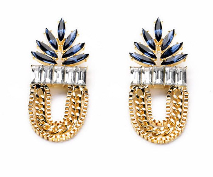 Oulette: Ouuu la la! These earrings make a fashionable statement regardless of how you wear them. They are also light weight, ensuring they're super comfortable for those long evenings out with your girls (or boys).