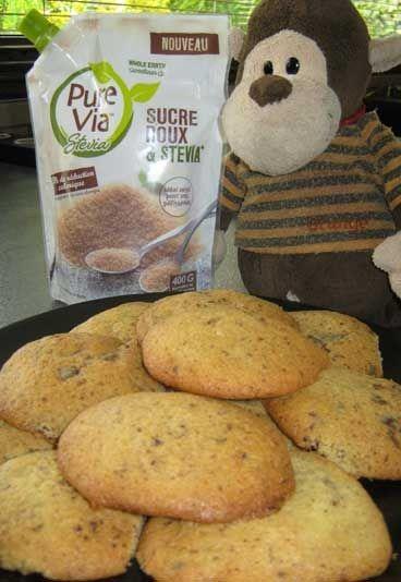 Recette Sucre Roux & Stevia : Cookies aux pépites de chocolat - Recettes avec Sucre Roux & Stevia : nos idées recettes - > Ingrédients 70 g de beurre 60 g de chocolat noir 60 g de Sucre Roux & Stevia* 1 oeuf 1/2 c. à café de vanille liquide 100 g de farine 1/2 c. à café de levure...