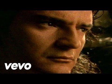 Ricardo Arjona - Ella y El - comparisons, he and her, descriptions, one present perfect