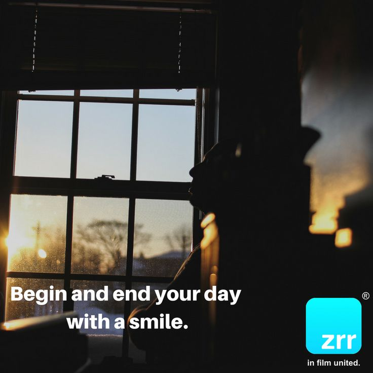 Begin and end your day with a smile. #todaysquote #inspiration #motivation #zipstrr #trendsettrr #madeinberlin #fromhollywood #infilmunited #monday #quote #picture