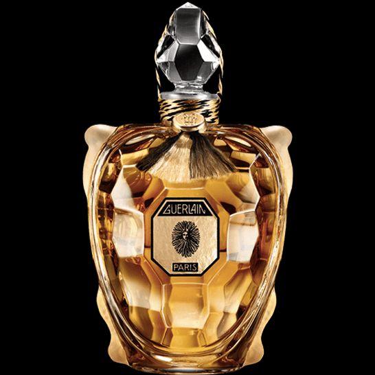 TORTUE - Guerlain  Riedizione in cristallo Baccarat del flacone Tartaruga lanciato nel 1913 in occasione dell'inaugurazione della boutique Guerlain sugli Champs-Elysées. Realizzati interamente a mano, ne esistono solo 47 esemplari numerati in tutto il mondo.