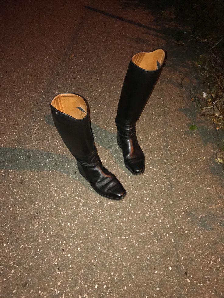 Petrie Elite boots