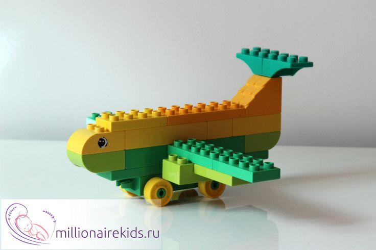 Самолет из Лего Дупло по схеме