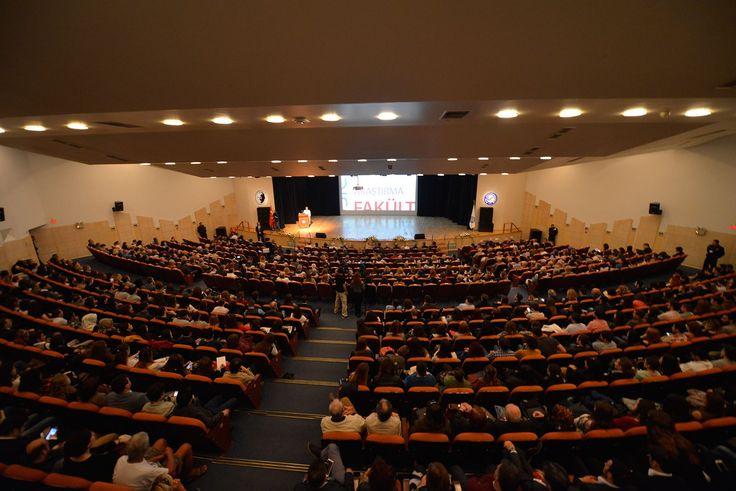 Ege Üniversitesi 2015-2016 Eğitim – Öğretim Yılı Akademik açılışı Ege Üniversitesi Prof. Dr. Yusuf Vardar MÖTBE Kültür Merkezi'nde gerçekleştirildi.