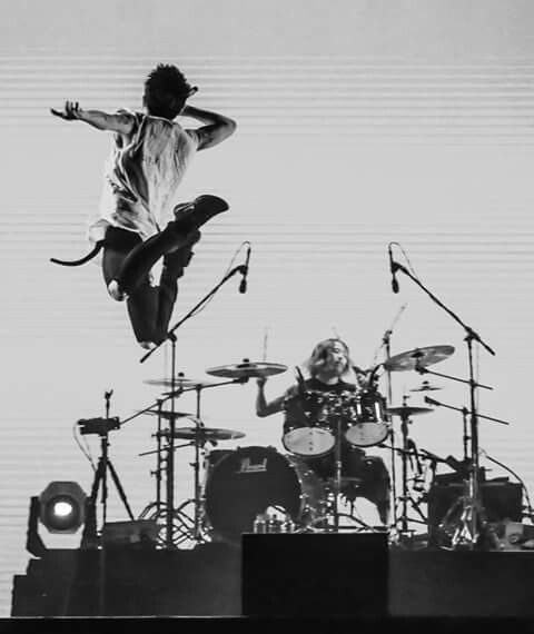 "Japanese band, ONE OK ROCK, opens up China debut at Shanghai's Mercedes-Benz Arena with melodic rock ballads from loved classics and newly released album ""Ambitions"".taka has a very serious hight jumps"