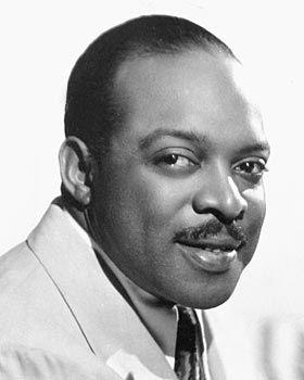 William Basie, conocido como Count Basie, fue un director de big band y pianista estadounidense de jazz. (1904-1984). Se trata de uno de los músicos de jazz más populares de la historia, vinculado, prácticamente durante cincuenta años, a la dirección de una big band de importante influencia en determinados registros estilísticos del jazz asociados, principalmente, al swing y a su corriente más tradicional.