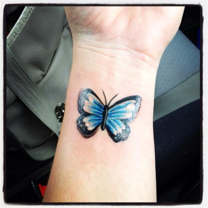 Butterfly wrist tattoo tats pinterest tatuajes for Butterfly tattoos gallery