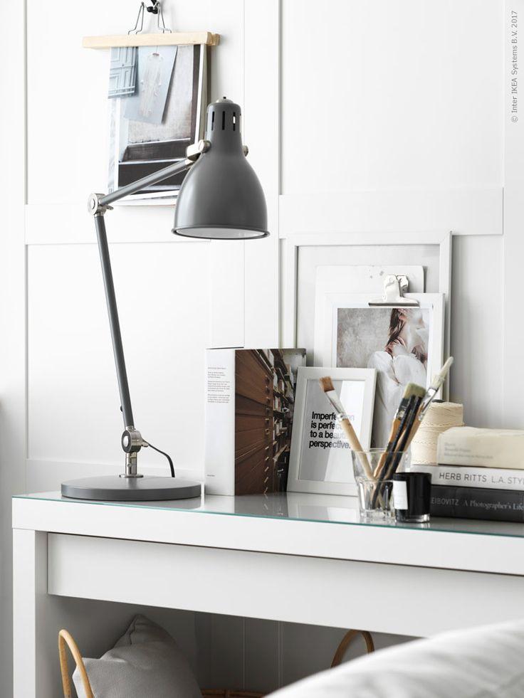 Med en väggpanel får du en ombonad klassisk look som lyfter en enkel inredning till nya höjder! Fixa stilen med köksfronterna SÄVEDAL. Ett enkelt grepp och ett bra tips om du t.ex. bor i hyresrätt eller ska inreda ett rum där du inte fårgöra störrebestående förändringar.