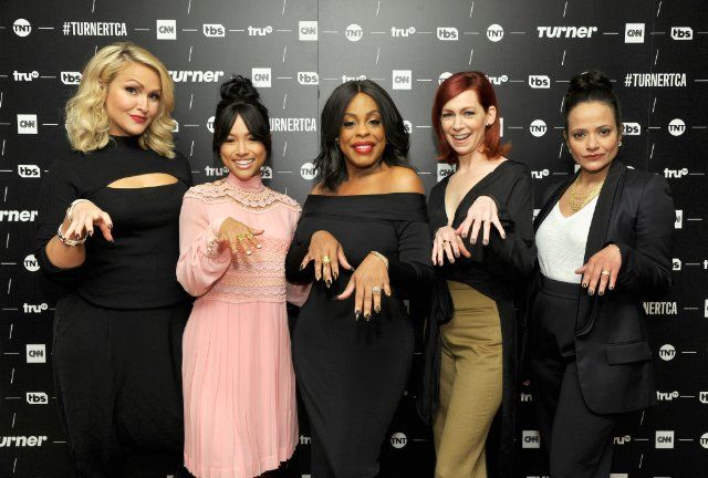 Niecy Nash, Carrie Preston, Judy Reyes, Jenn Lyon, and Karrueche Tran