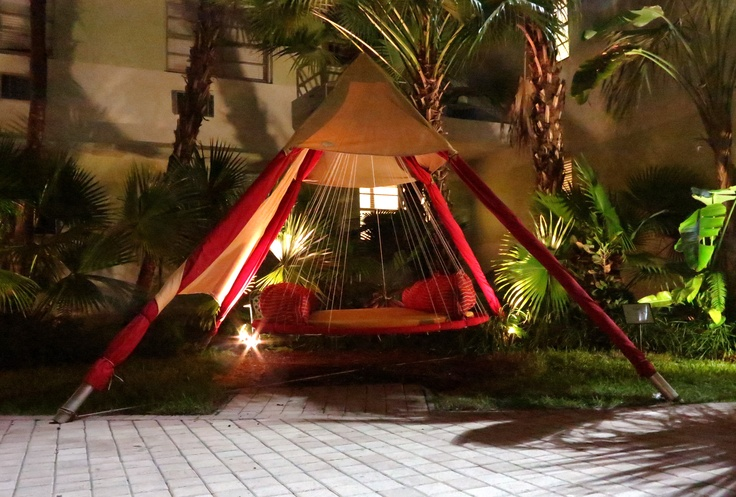 17 best images about hanging outdoor hammock beds on for Hanging round hammock