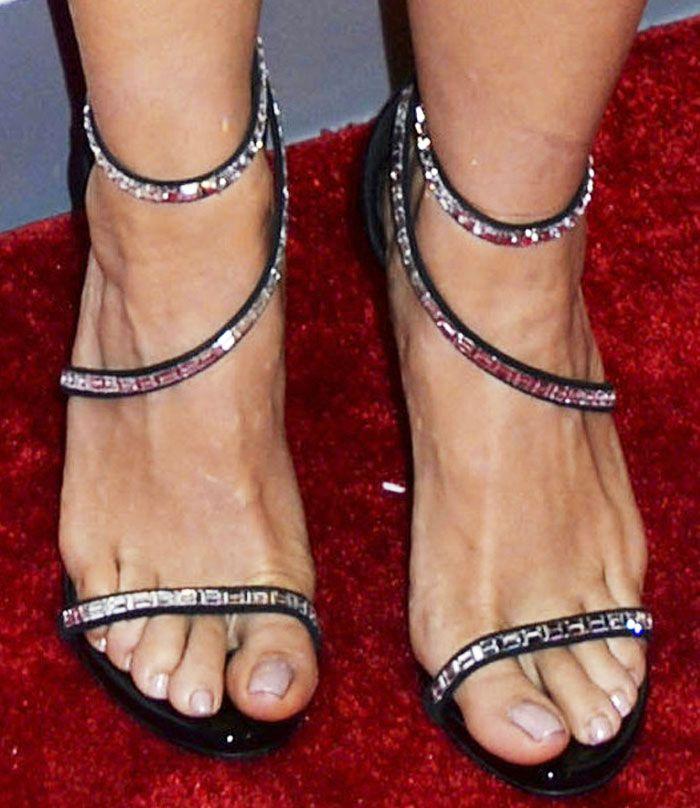Salma shines in the Giuseppe Zanotti 'Calliope' sandals