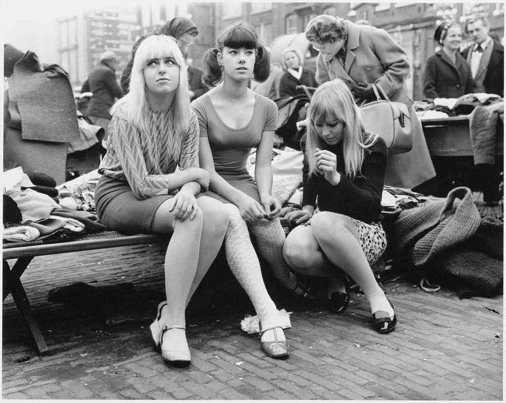 10-00-1966_20387 Minirokjes | by IISG