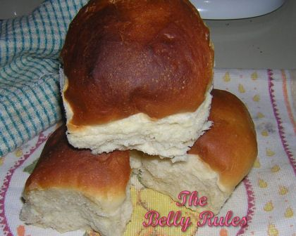 Texas Roadhouse Rolls. Have you ever eaten at the Texas Roadhouse? These are the rolls they serve. Find this and other recipes at our website, Yum Goggle