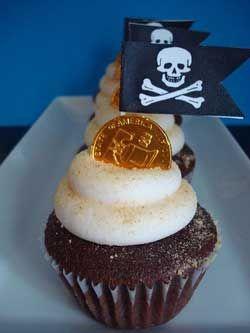 #piraten #cupcakes met #chocolade #munten. Lees hier hoe je die maakt!