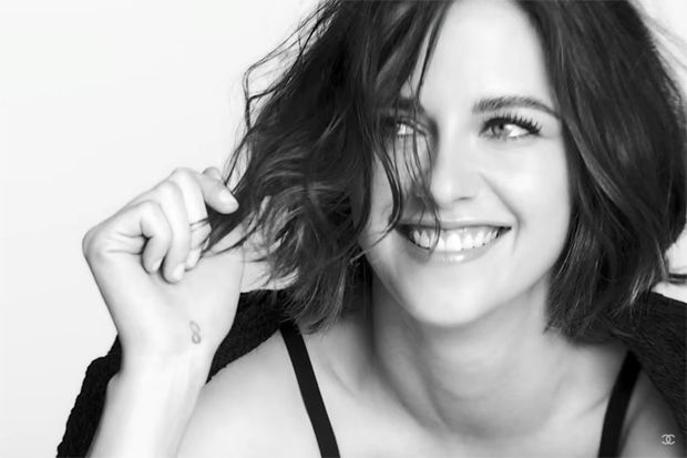 kristen stewart chanel 2016   Kristen Stewart Looks Stunning in Latest Chanel Makeup Campaign for ...