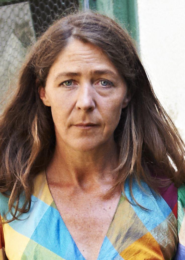Die gebürtige Schweizerin Anna Bennent hat schon immer sehr viel Theater gemacht, aber auch vieles für FIlm und Fernsehen.