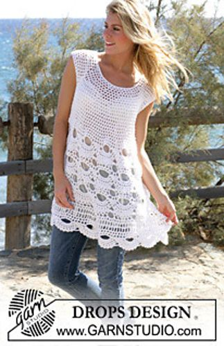 """Free Tunic with mussel pattern in """"Alpaca"""" and """"Cotton Viscose"""" pattern by DROPS design"""