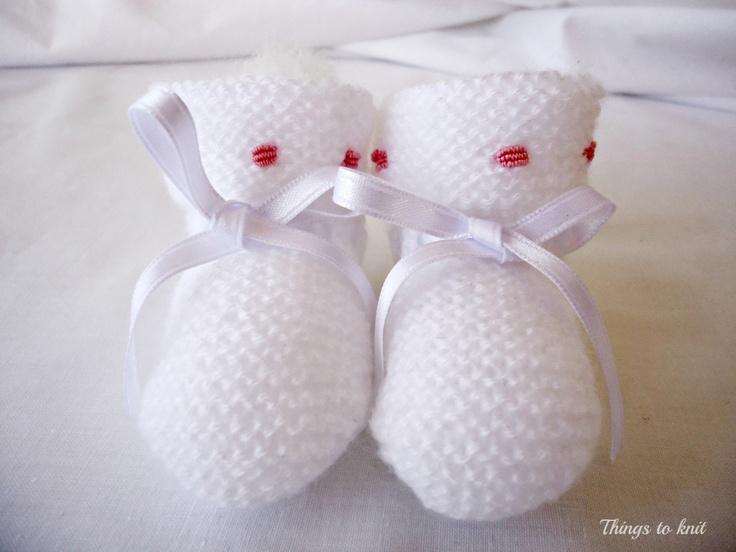 Patucos hechos a mano para bebe // Handmade booties for baby