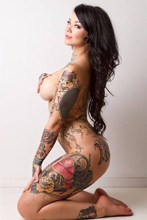 hottest nude tattoo women