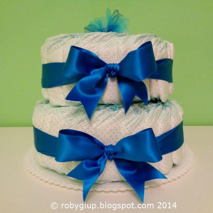 Idea regalo per la nascita di un bimbo: una torta di pannolini - Gift idea fro the birth of a baby: a diaper cake - RobyGiup handmade #diaper #cake #gift #newborn