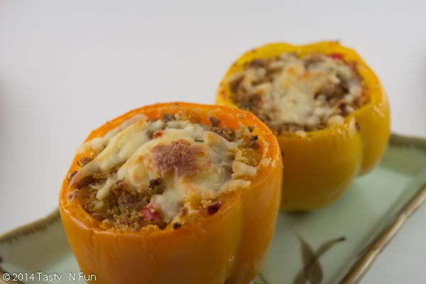 LOW-CARB CAULIFLOWER RICE STUFFED PEPPERS WITH TURKEY AND CHILLIES http://www.tastynfun.com/tasty-n-fun/2014/10/23/low-carb-cauliflower-rice-stuffed-peppers