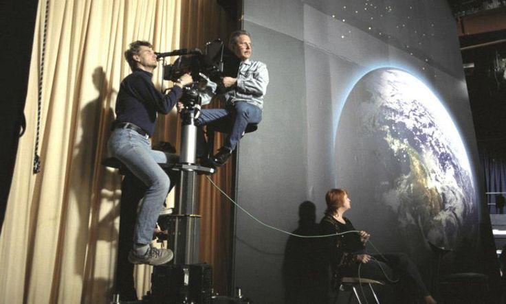 Radion ja television palveluksessa. Radio- ja tv-alan ammattilaisten työmuistojen keruu 9.2.–30.11.2015