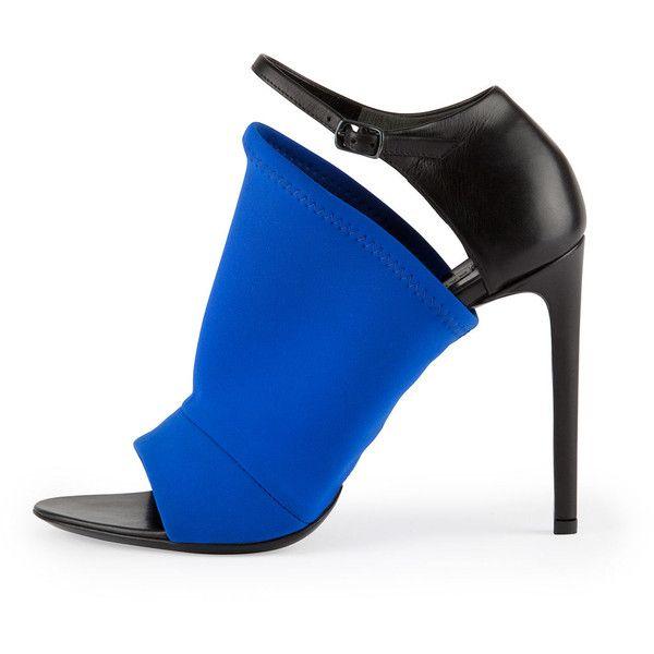 Balenciaga Neoprene Glove Sandal, Electric Blue ($795) ❤ liked on Polyvore  featuring shoes - Le 25 Migliori Idee Su Royal Blue High Heels Su Pinterest Blu