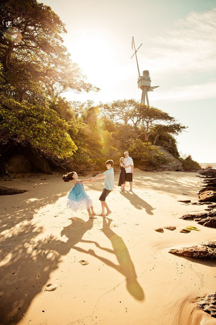 beautiful light for professional family portraits at Bradley's head by gm photographics