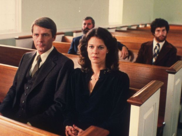 """'The Big Chill': Jobeth Williams. After appearances in """"Kramer vs. Kramer,"""" """"Stir Crazy"""" and """"The Dogs of War,"""" JoBeth Williams made a splash in the 1982 horror hit, """"Poltergeist,"""" as the mother of a girl snatched away by supernatural beasties. In """"The Big Chill,"""" Williams played Karen, a suburban housewife bored by her marriage to an ad exec (Don Galloway, left)."""