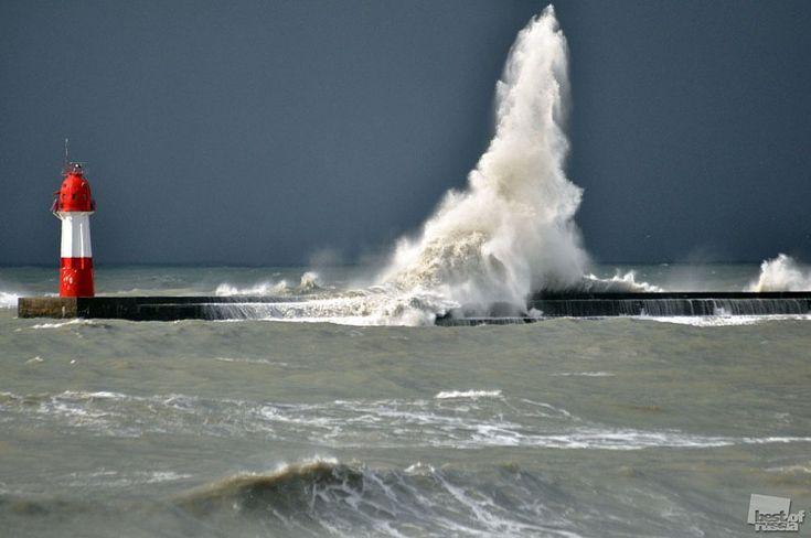 Popis: zimné búrky v Čiernom mori pri pobreží Soči Mesto: Sochi Autori: Victor Klyushkin