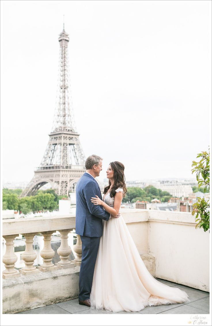The perfect elopement view at the Shangri La Paris :)  www.catherineohara.com  English speaking wedding, elopement, engagement and surprise proposal photographer based in Paris, France