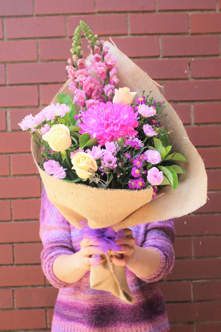 A new week has started with bouquet of Pinky Disbud, Roses