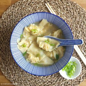 Hoe maak je wonton soep?  Vind het Chinees recept van mijn moeder op food blog mevryan.com  #Chinese #koken #gerechten #Aziatisch #keuken #wontonsoep #wonton #wantan