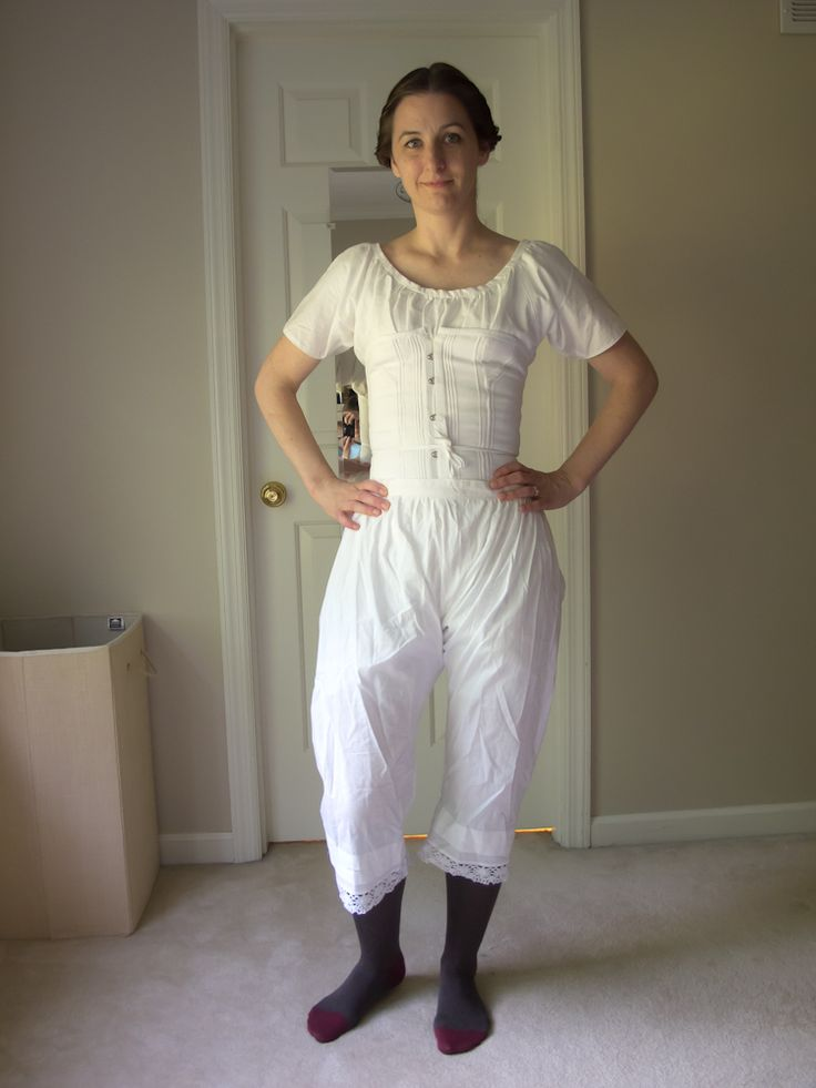 Fascinating details of creating an 1850s era pioneer outfit -- including historically accurate undergarments.