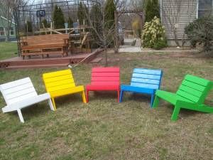 COLORFUL PALLET CHAIRS... Would love to make some of these to put around a fire pit, when we get one.
