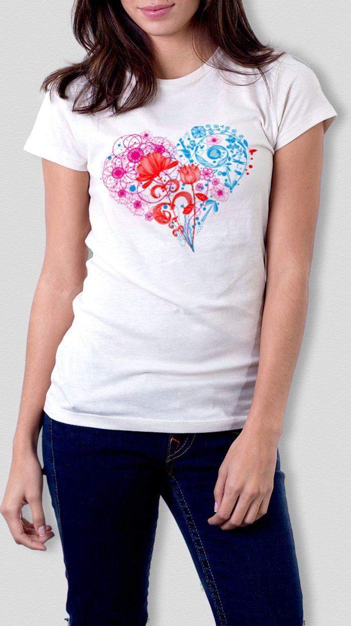 Camiseta corazón floral