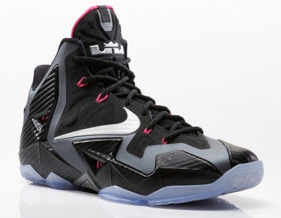miami nights lebron 11s 1 570x441 Nike LeBron 11 Miami Nights   Official Images