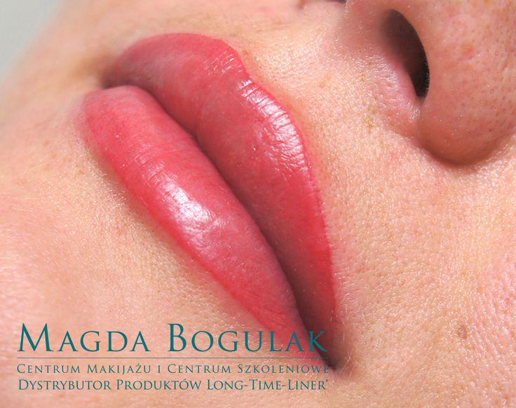 Makijaż permanentny ust tuż po zabiegu