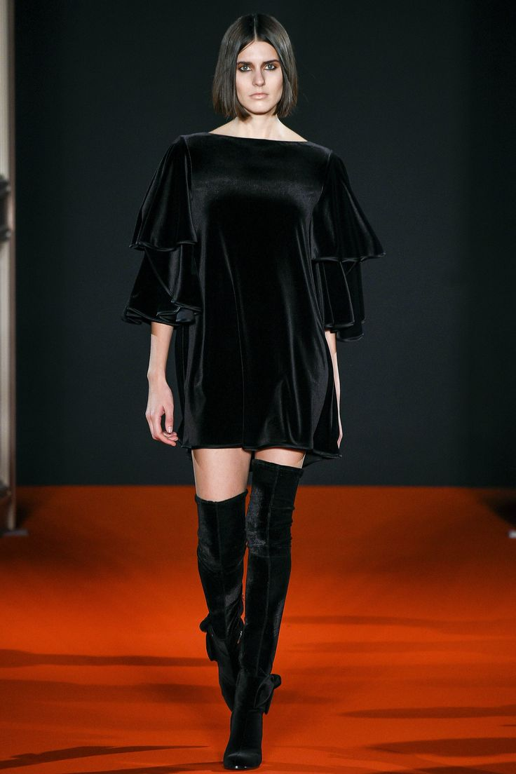 Talbot Runhof Fall 2017 Ready-to-Wear Collection Photos - Vogue