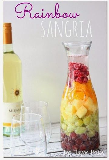 Rainbow Sangria - Moscato, Seltzer & fruit. Looks so yummy and easy!