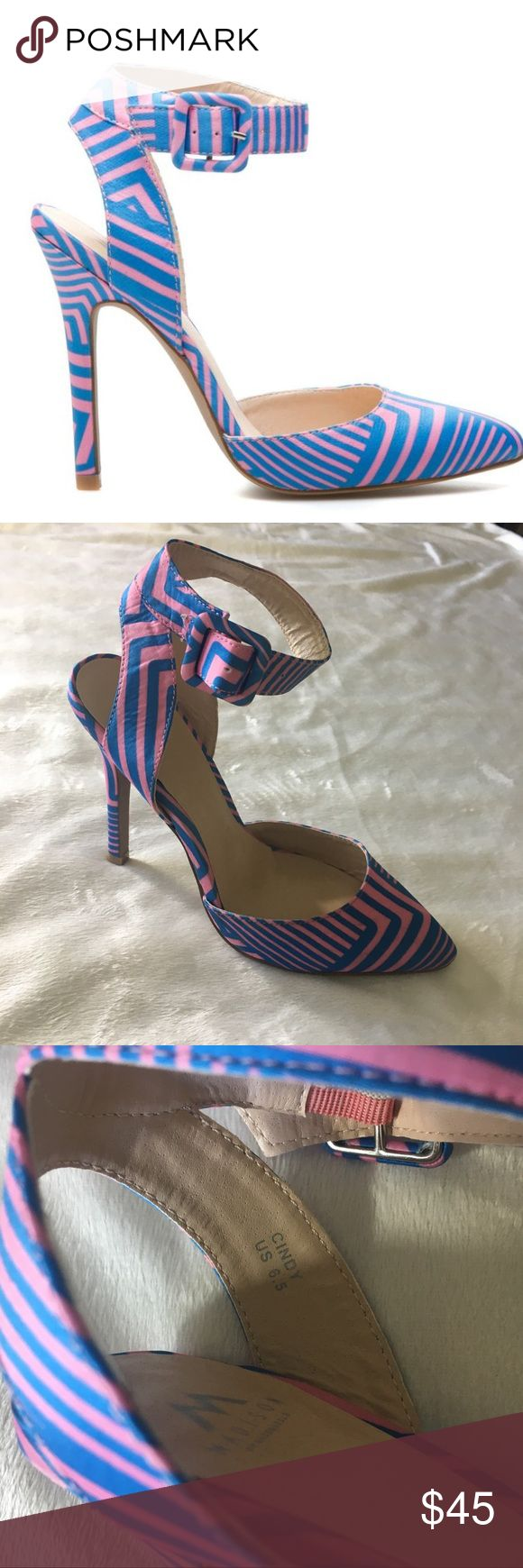 Madison by Shoe Dazzle Cindy Heels Pink Blue 6.5 Sz 6.5 Madison by Shoe Dazzle Cindy High Heels Pink and Blue. Excellent shape other than the bottoms show wear. These are so pretty and have a neat pattern. Offers welcome! Shoe Dazzle Shoes Heels