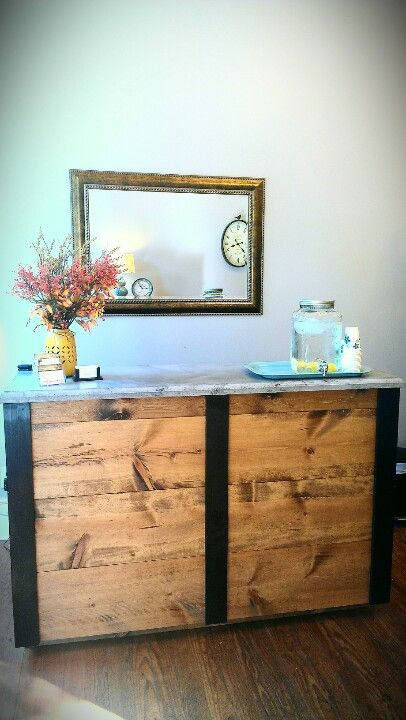 explore salon reception desk