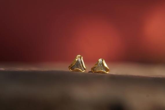 f4c953961 triangle gold diamond stud earrings-rough Diamond-tiny gold stud earrings-triangle  gold diamond earrings-raw uncut diamond earrings-gefen