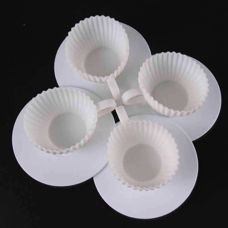 Goedkope 1 set van 4 stks siliconen cupcake cups 4 stks schoteltjes muffin bakken cake thee theekopje mold d783, koop Kwaliteit   rechtstreeks van Leveranciers van China: 1 set van 4 stuks siliconen cupcake cups + 4 stuks schotels thee cake muffin bakken theekopje schimmel d783Functies van