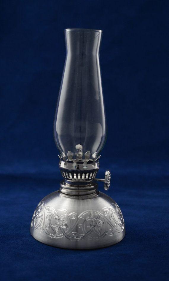 lampe l 39 huile colline design en tain fin cadeau pour lui homme mari p re couple. Black Bedroom Furniture Sets. Home Design Ideas