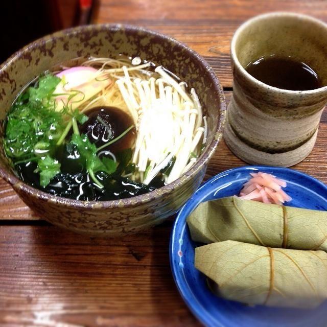 とっても美味しいお出汁でした。  パワースポット大神神社参詣前に、お腹を満たしました。 - 133件のもぐもぐ - そうめんの里、大神神社前でにゅうめんと柿の葉寿司 by 美也子