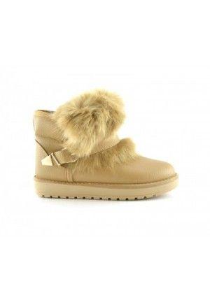 Cizme tip ugg ieftine Hoco khaki cele mai tari cizme ale momentului,sunt ideale pentru iarna anului 2013- 2014.Sunt imblanite si se prezinta in mai multe culori.