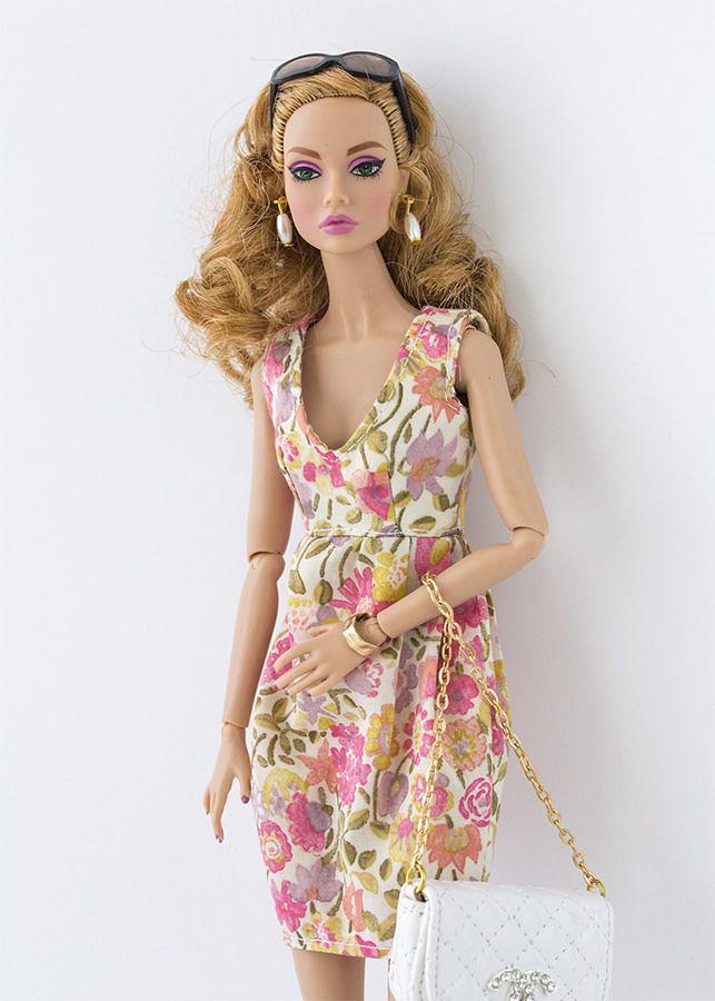 """Uno de mis juguetes preferidos de niña era """"Darling"""". Darling era un sucedáneo de Barbie. Aunque yo lo que realmente quería era una Barbie ..."""