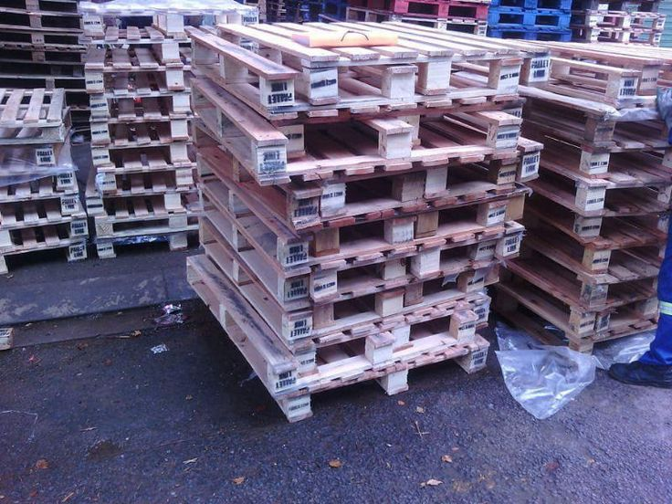 We make wooden pallets of different sizes 2 way and 4 way entry pallets,  Used wooden pallets R40 each brown   new R90 each, Euro heavy dut...198865282