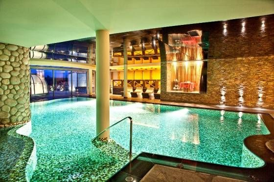 Głęboczek Vine Resort & Spa in Brzozie